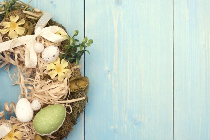 déco de pâques : couronne d'oeufs