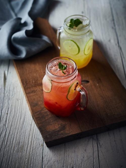 Mocktail aux fruits rouges et à la poire